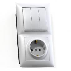 Блок розетки с выключателем Кунцево-Электро Селена БКВР-413 трехклавишный белый